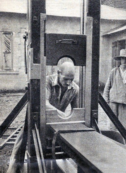 Friday Fun Facts – The Guillotine | Girl Gone Gallic